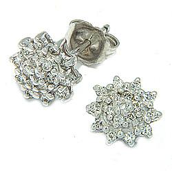 Diamant oorbellen in 14 karaat witgoud met diamanten