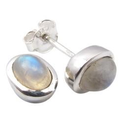 Mooie witte maansteen oorsteker in zilver