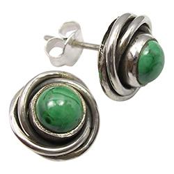Rond groene oorsteker in geoxideerd sterlingzilver