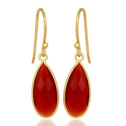 Druppel rode onyx oorbellen in verguld sterlingzilver