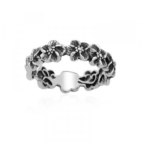 Mooie bloem ring in zilver