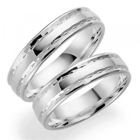 Mooie 5 mm trouwringen in 14 karaat witgoud - set