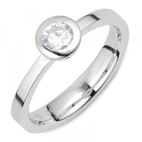Eenvoudige witte zirkoon ring in zilver