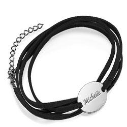 De letter  naamarmband in zwart snaar en zilver