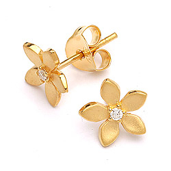 Schattige bloemen oorbellen in verguld sterlingzilver