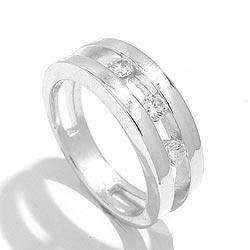 Schattige witte zirkoon ring in zilver